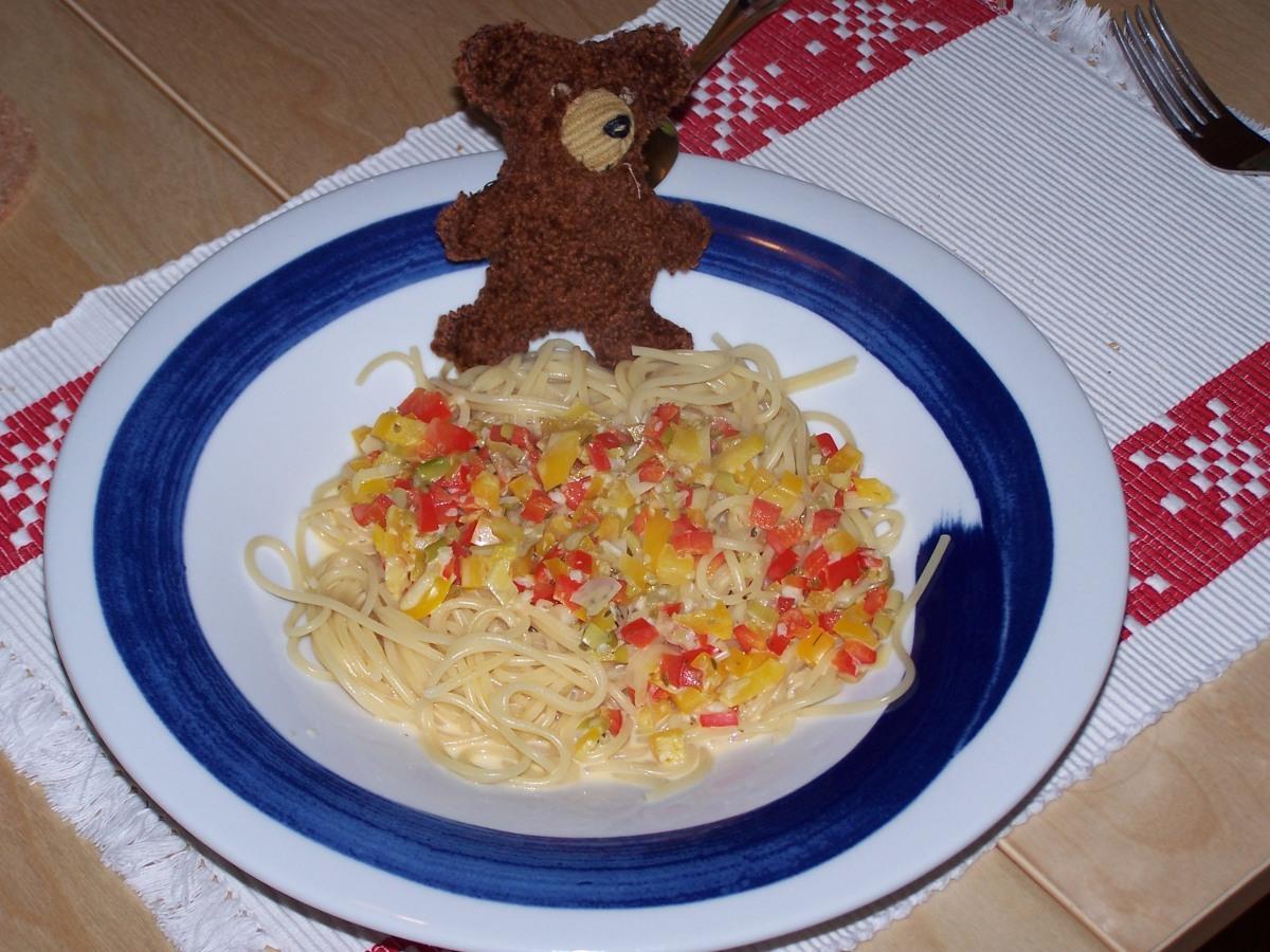 Spaghetti mit Schafskäsesoße