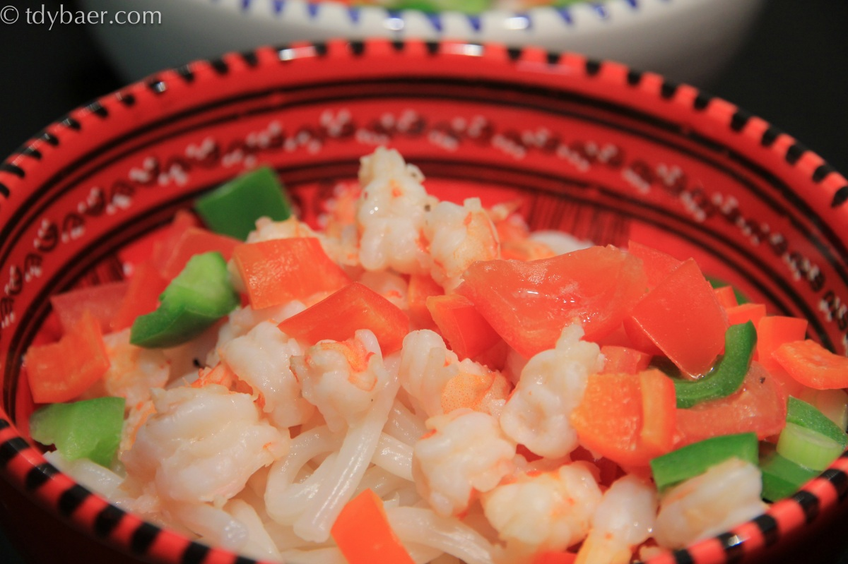 Garnelen-Nudel-Suppe mit Kokosnussmilch nach Mekong-Art - Banh Canh Tom Nuoc Dua
