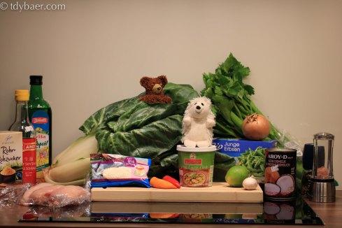 Hähnchen-Gemüse-Curry mit gerösteten Kokosraspeln