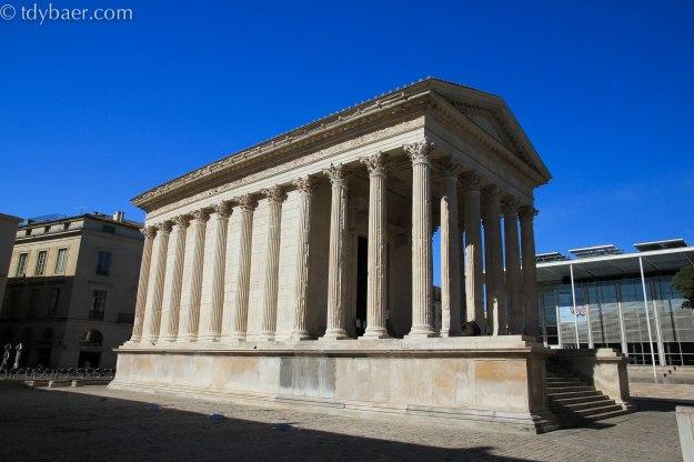 03.06.13 - Spaziergang durch das antike Nîmes und unterwegs zwischen Salzbergen und rosa Salzseen