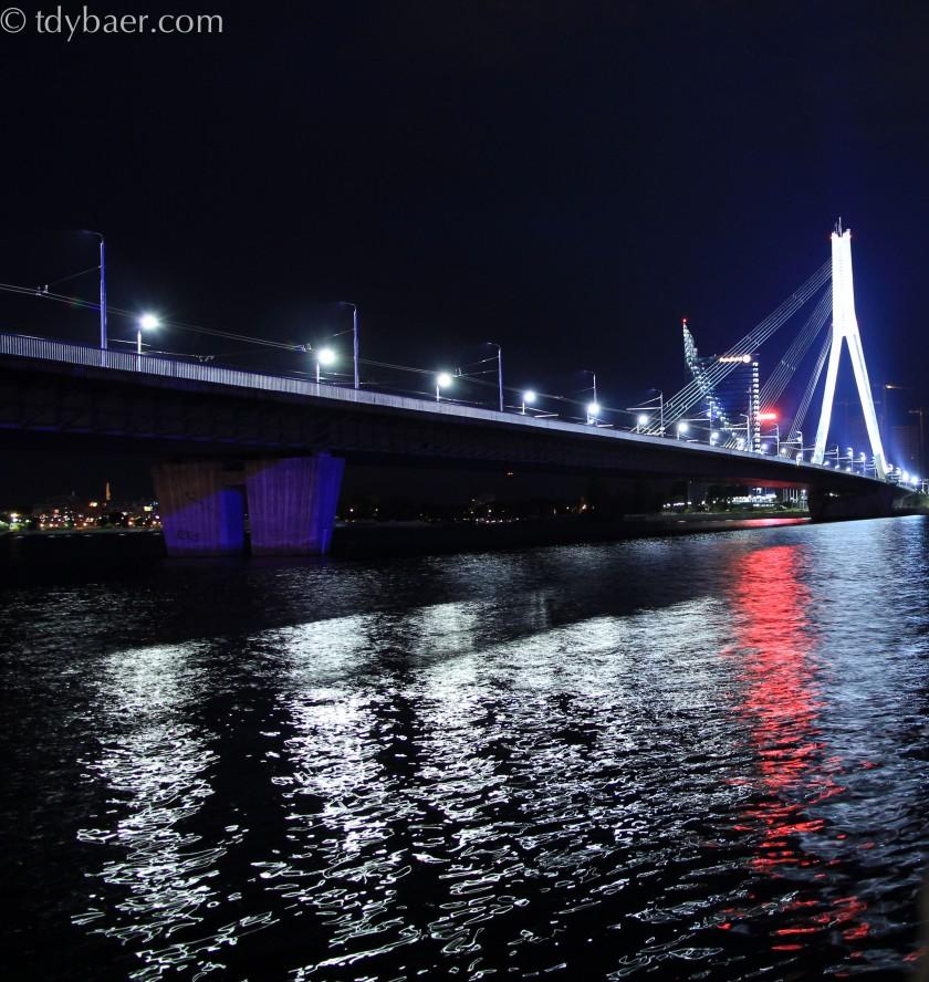 Riga bei Nacht